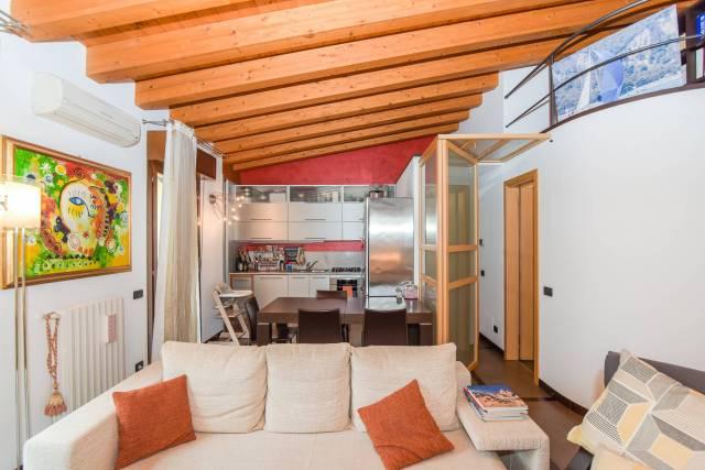 Appartamento in ottime condizioni in vendita Rif. 7164620