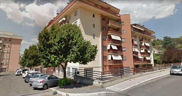 Appartamento in buone condizioni in vendita Rif. 7164393