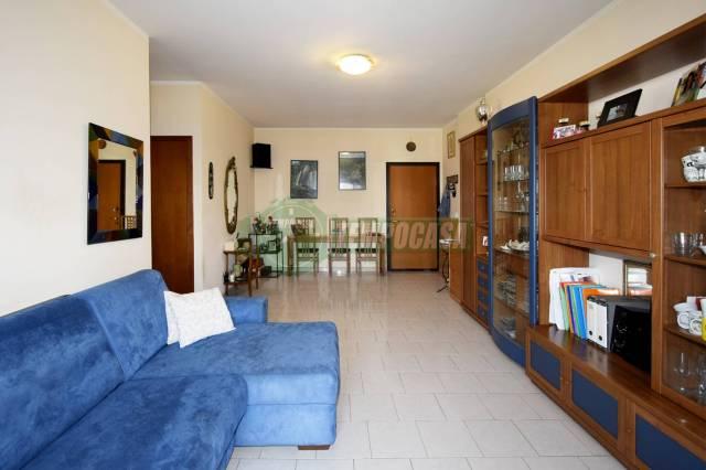 Appartamento in buone condizioni in vendita Rif. 7172702