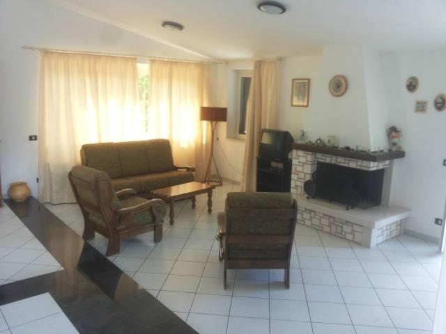Villa in ottime condizioni parzialmente arredato in vendita Rif. 7176802