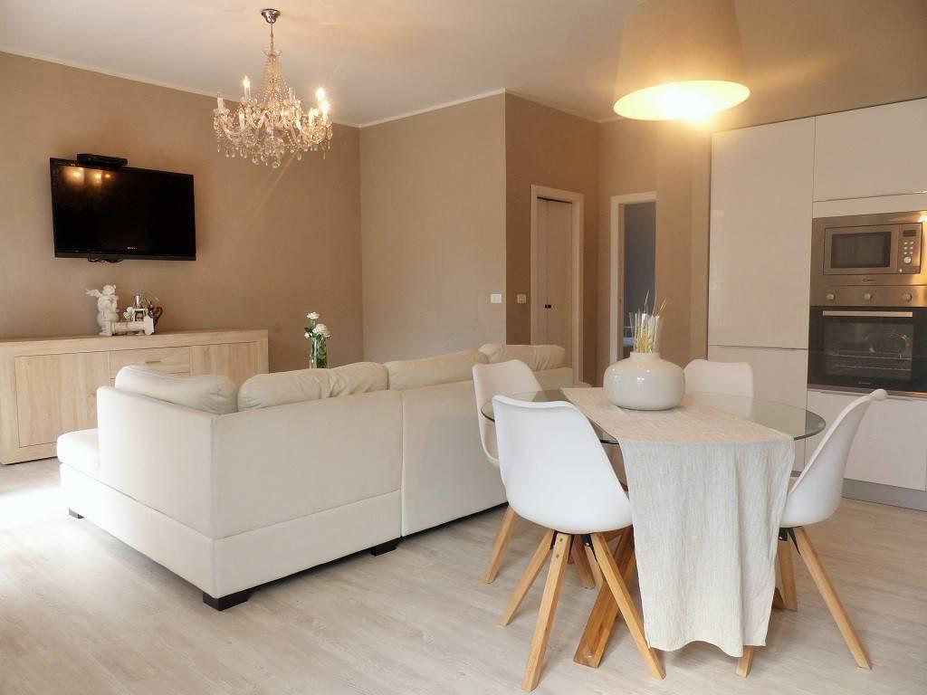 Appartamento in ottime condizioni in vendita Rif. 7174433