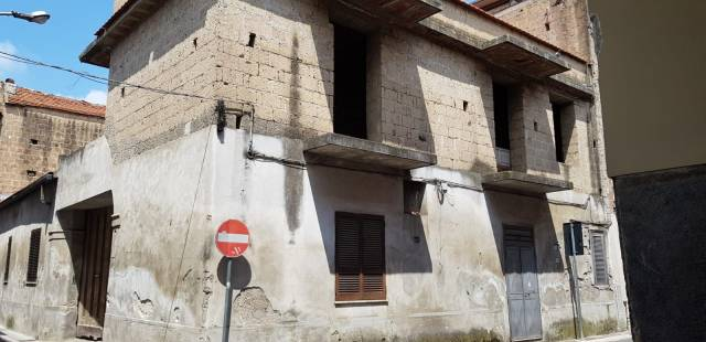 Appartamento da ristrutturare in vendita Rif. 7172281