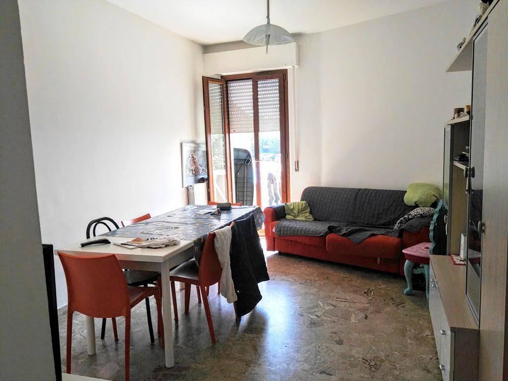 Appartamento in buone condizioni in vendita Rif. 8374563