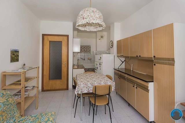 Appartamento in buone condizioni arredato in affitto Rif. 7171178