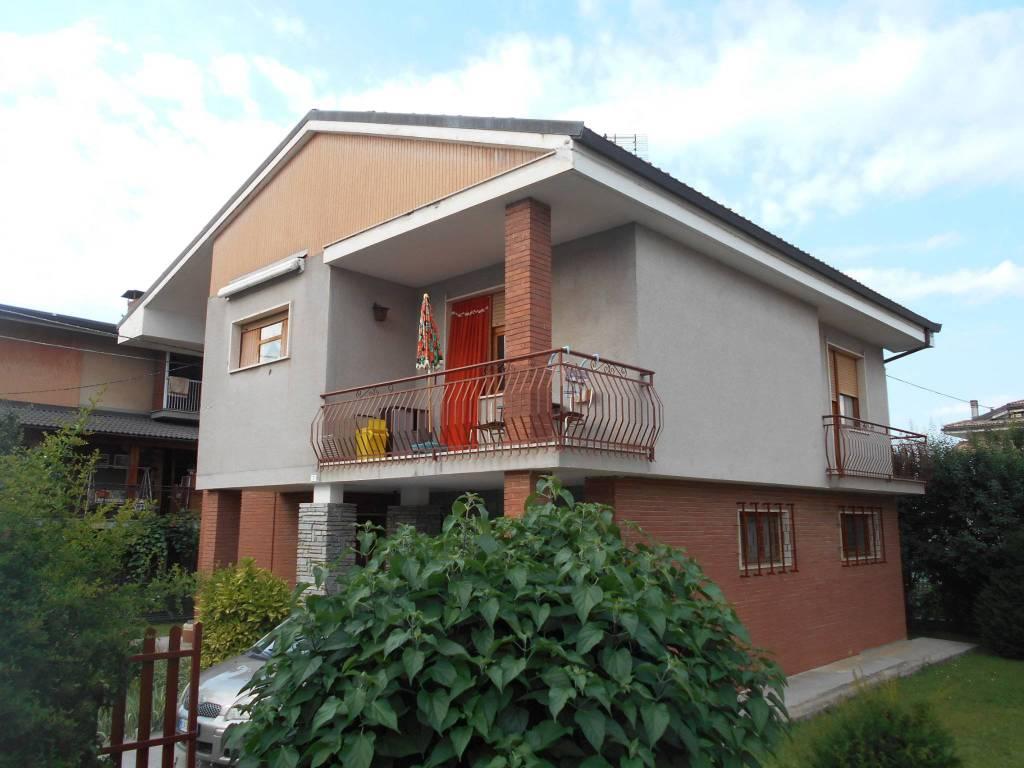 Foto 1 di Villa via Mondovì 7, Caraglio
