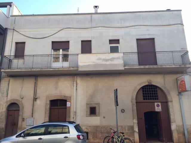 Stabile / Palazzo in buone condizioni in vendita Rif. 8802548