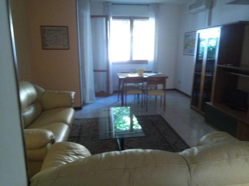 Appartamento in ottime condizioni parzialmente arredato in vendita Rif. 8851222