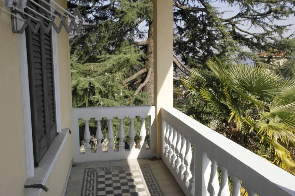 Villa in vendita a Casalzuigno, 4 locali, prezzo € 330.000   CambioCasa.it