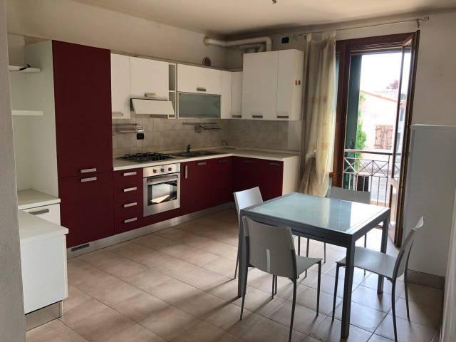 Appartamento in buone condizioni arredato in vendita Rif. 7172688