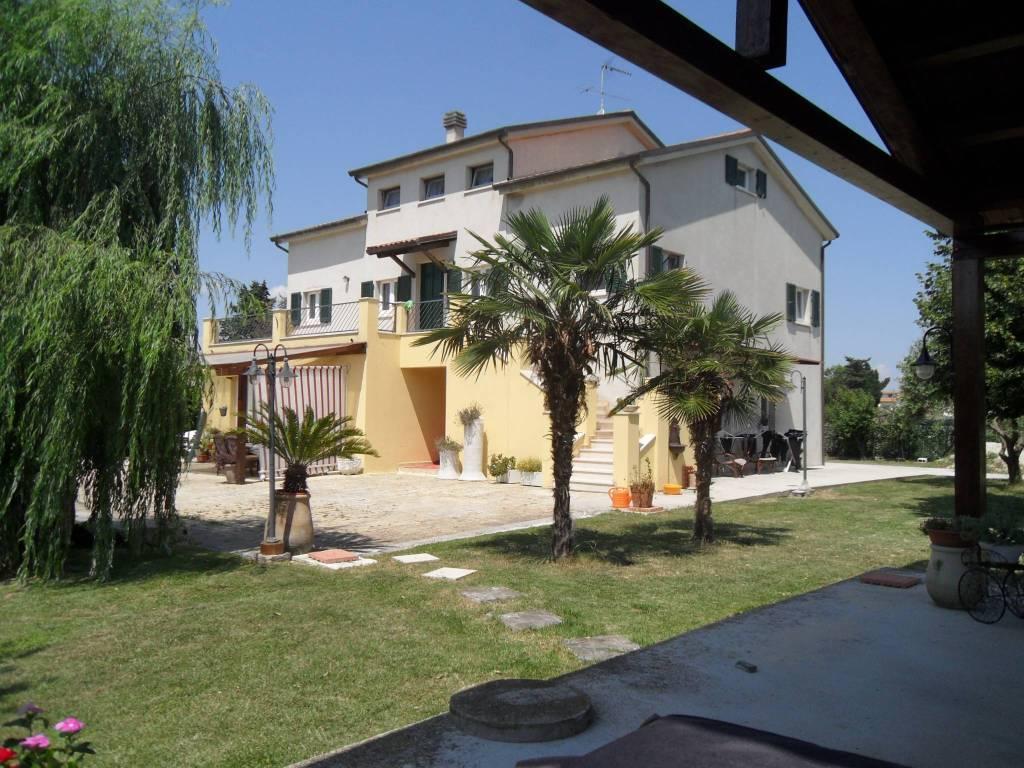 Rustico / Casale in ottime condizioni parzialmente arredato in vendita Rif. 4362492