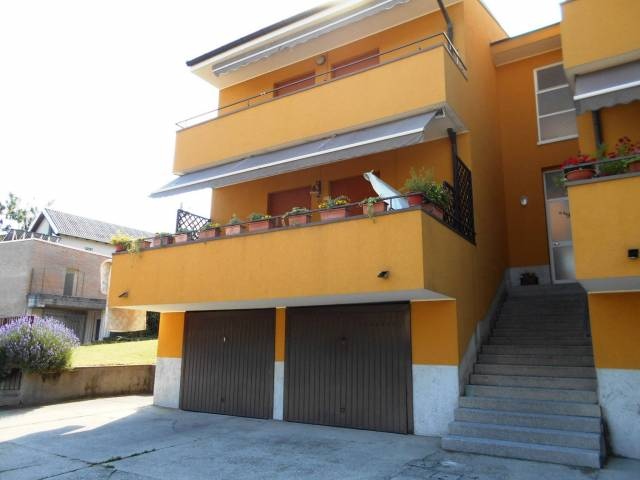 Appartamento in buone condizioni in affitto Rif. 7173197