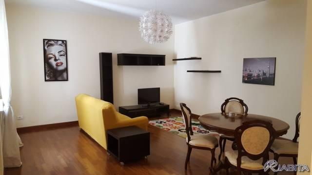 Appartamento in Affitto a Piacenza Centro: 2 locali, 75 mq
