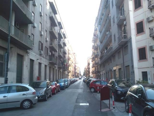 Appartamento in Affitto a Palermo Centro: 2 locali, 65 mq