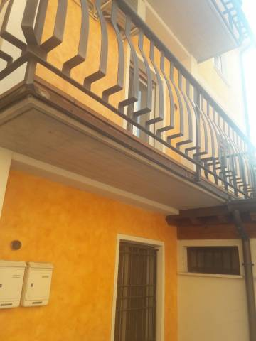 Appartamento in ottime condizioni in affitto Rif. 7176430