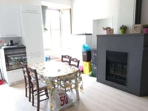Appartamento in buone condizioni arredato in vendita Rif. 7170385