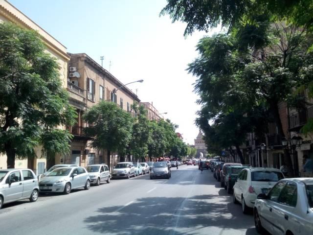 Appartamento in Affitto a Palermo Centro: 4 locali, 80 mq