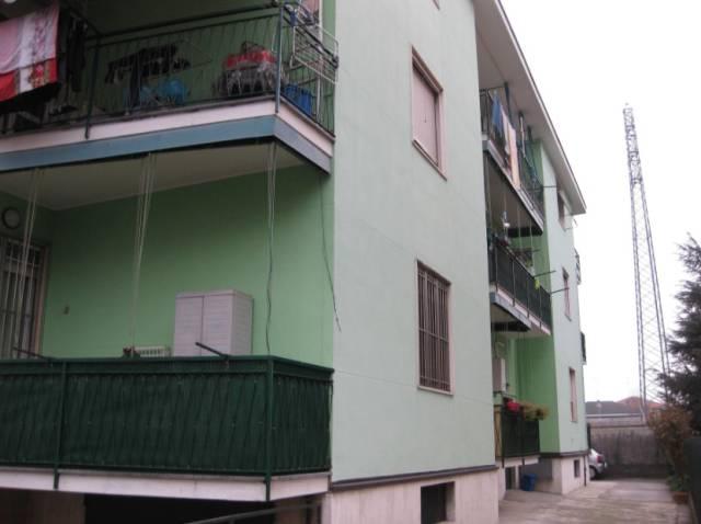 Appartamento in buone condizioni in vendita Rif. 7176665
