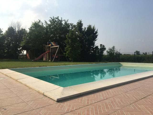 Villa in Vendita a Anzola Dell'Emilia Periferia: 5 locali, 185 mq