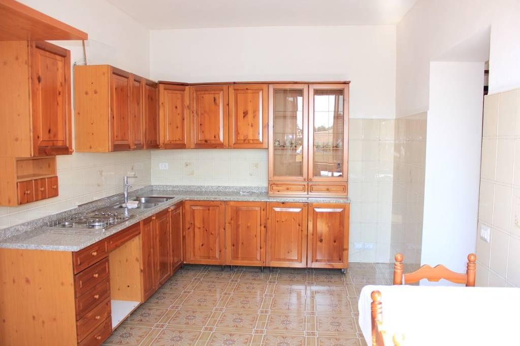 Appartamento in ottime condizioni in vendita Rif. 7174617