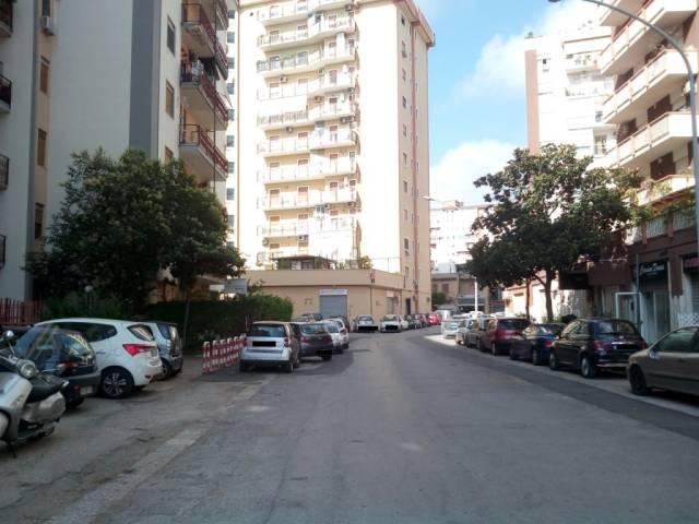 Magazzino in Affitto a Palermo Periferia: 1 locali, 80 mq