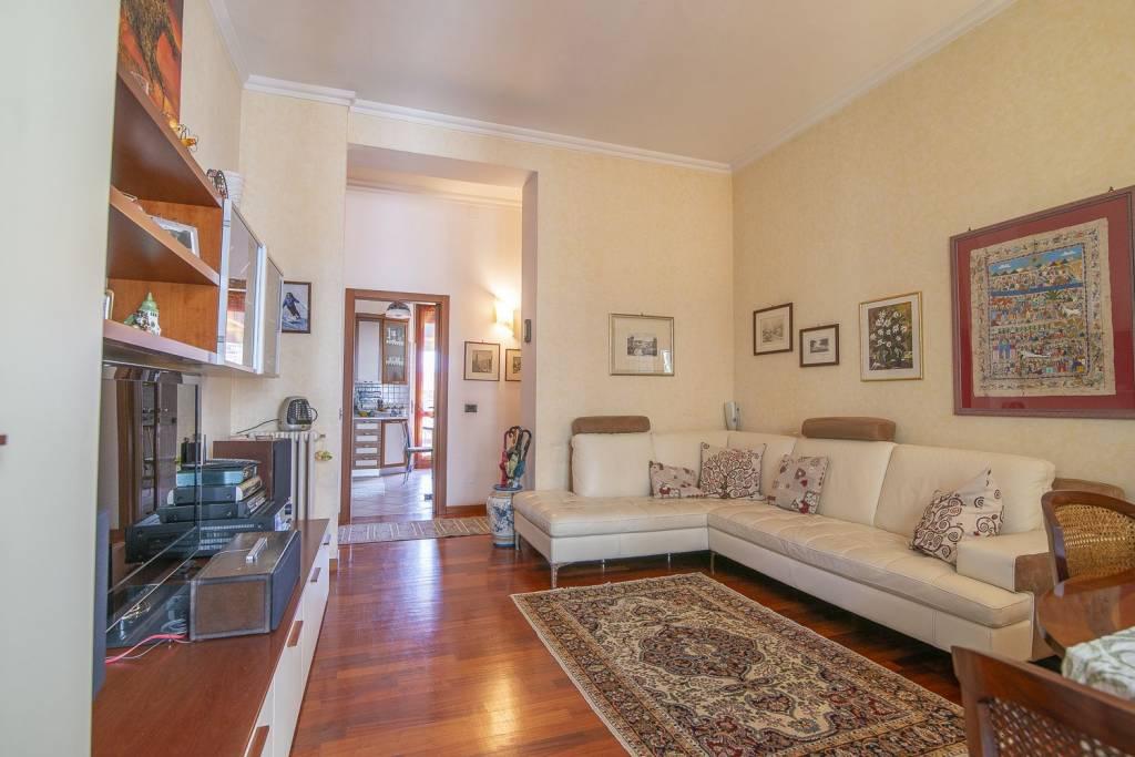 Appartamento in ottime condizioni in vendita Rif. 8871722