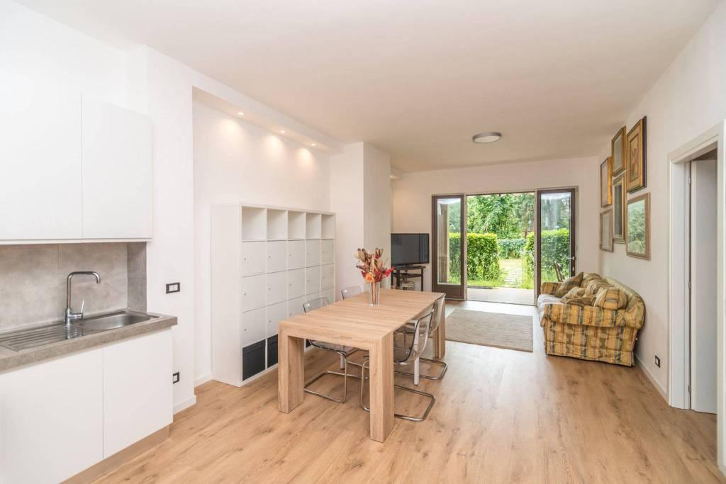 Appartamento in ottime condizioni parzialmente arredato in vendita Rif. 7189493