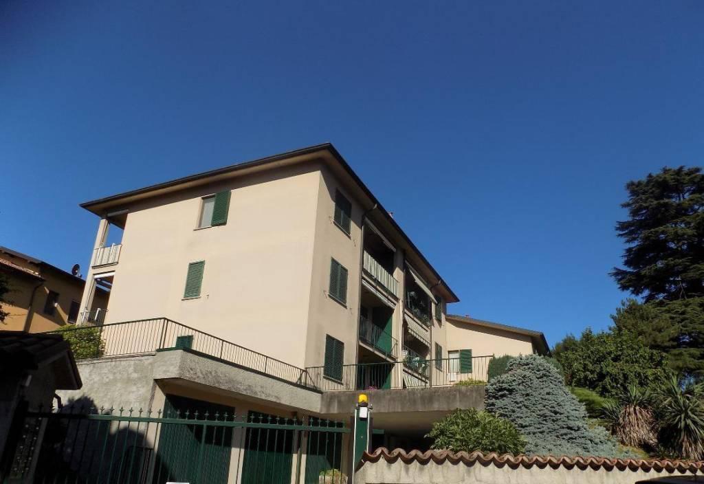 Appartamento in buone condizioni in vendita Rif. 5905778