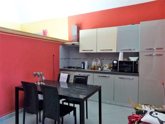 Appartamento in ottime condizioni arredato in affitto Rif. 6881984