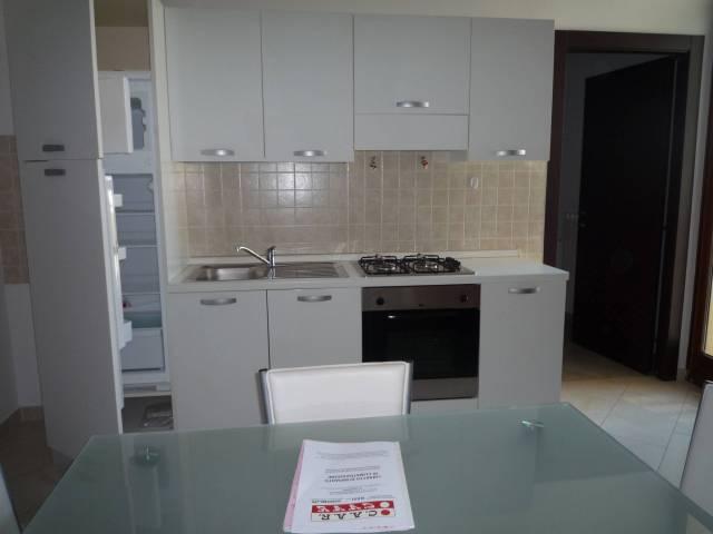 Appartamento in ottime condizioni arredato in affitto Rif. 7188125