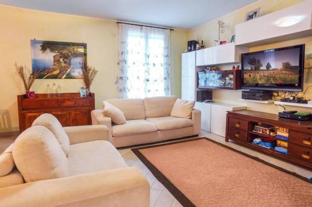 Appartamento in ottime condizioni in vendita Rif. 4199092