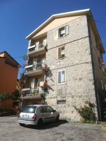 Appartamento in buone condizioni parzialmente arredato in vendita Rif. 7186926