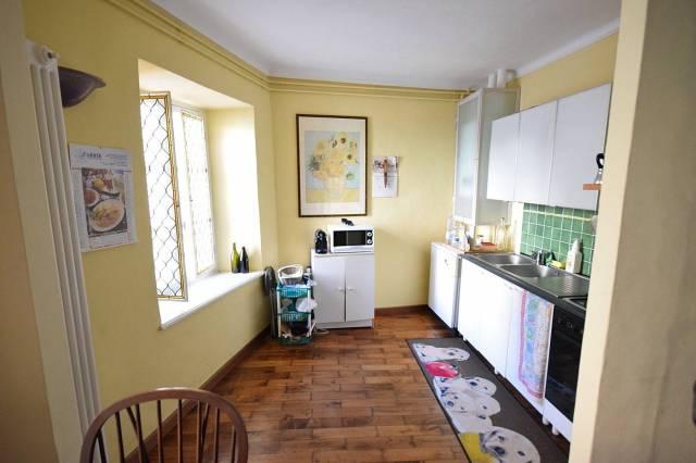 Monolocale in buone condizioni parzialmente arredato in affitto