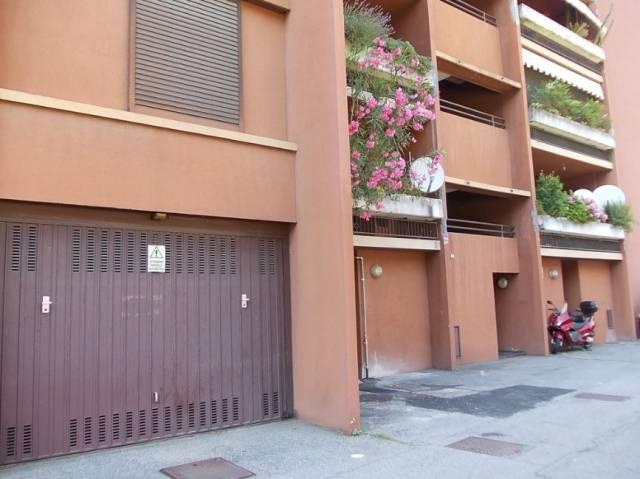 Appartamento in buone condizioni in vendita Rif. 7188856