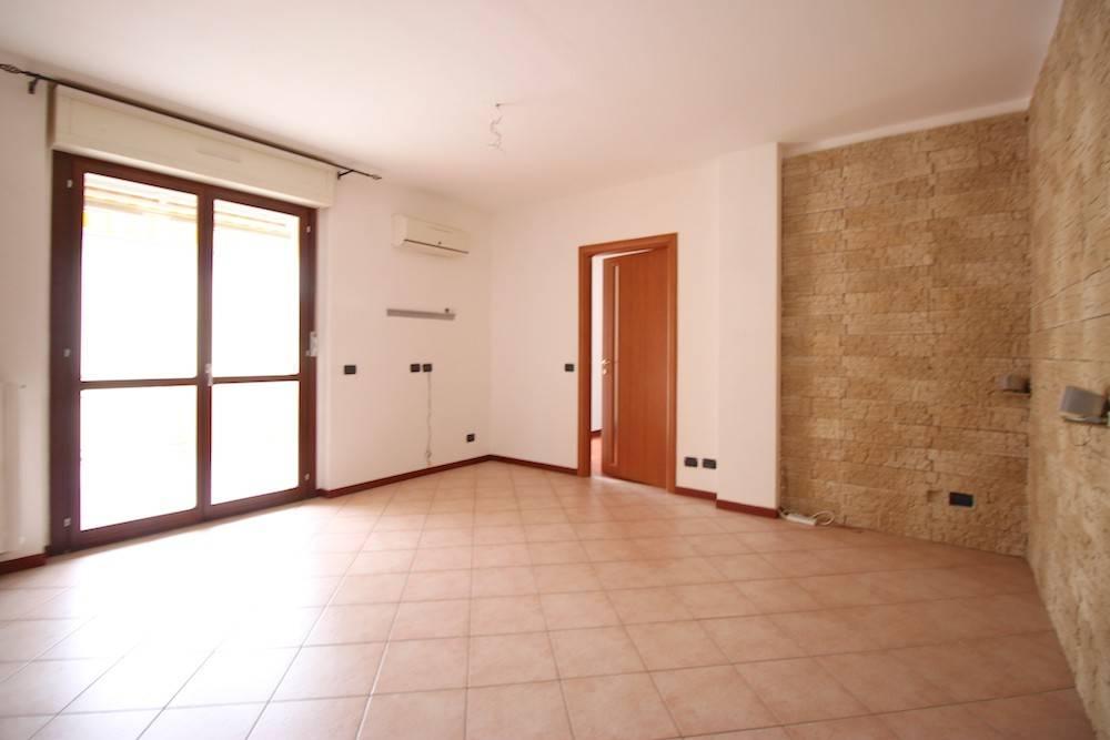 Appartamento in vendita a Rivalta di Torino, 6 locali, prezzo € 320.000 | CambioCasa.it