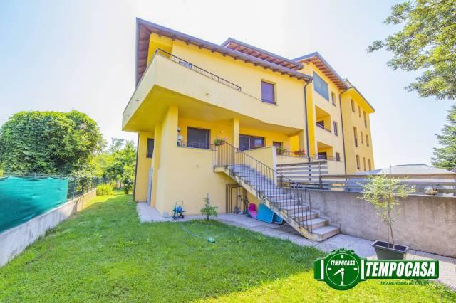 Appartamento in buone condizioni in vendita Rif. 7184721