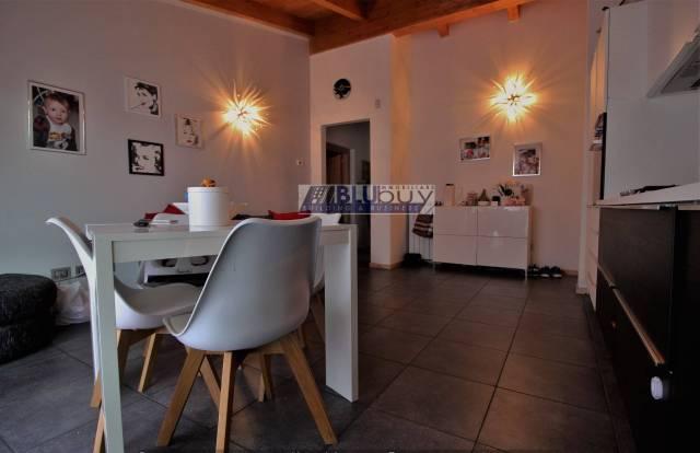 Appartamento in ottime condizioni in vendita Rif. 7185948