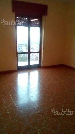 Appartamento in buone condizioni in affitto Rif. 7271134