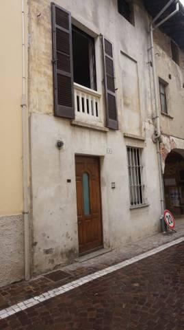 Appartamento in buone condizioni in vendita Rif. 7185156
