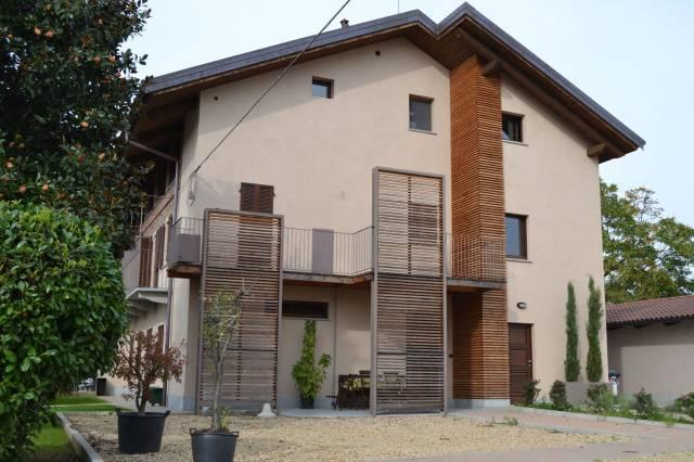Appartamento in ottime condizioni in affitto Rif. 7184750