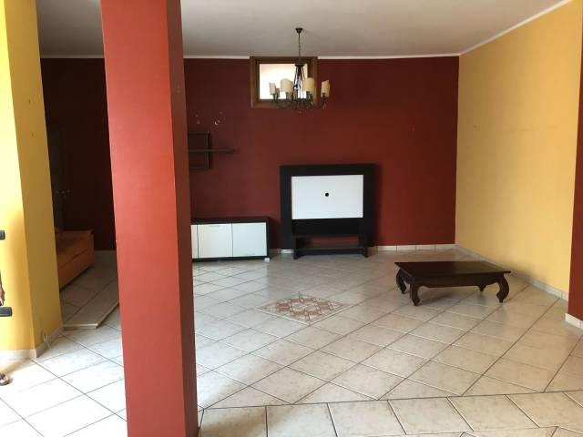 Appartamento in buone condizioni in vendita Rif. 7186921