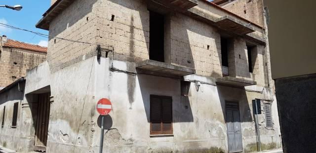 Appartamento da ristrutturare in vendita Rif. 7186357