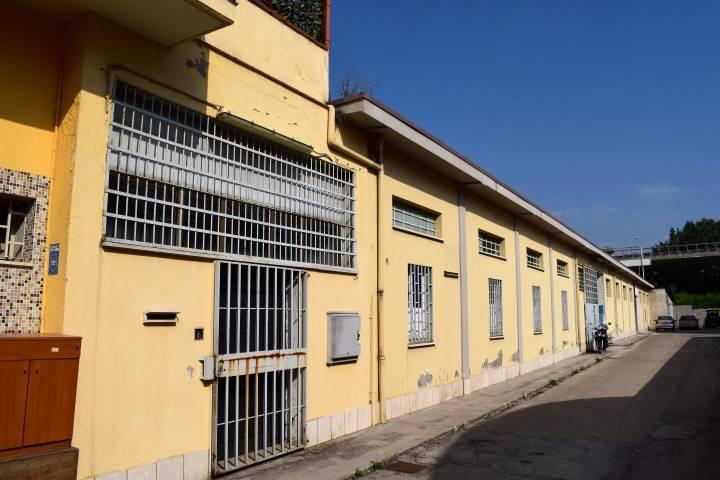 Magazzino - capannone in affitto Rif. 7184791