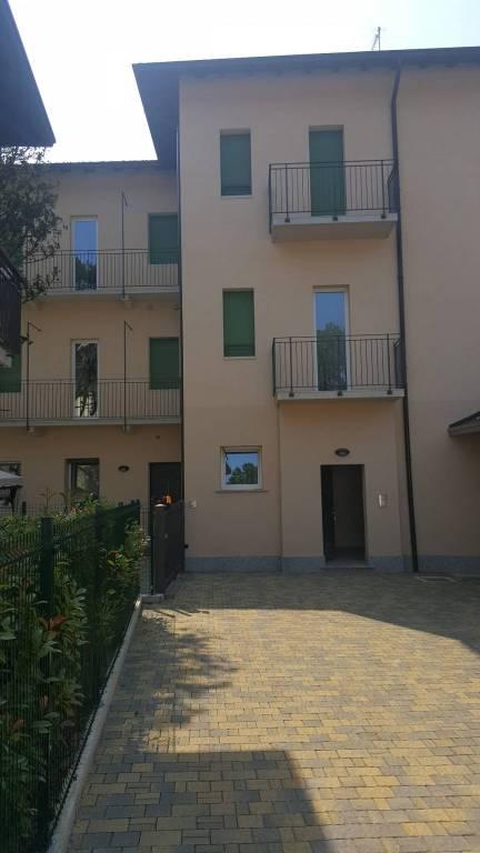 Appartamento in vendita a Cassano Magnago, 4 locali, prezzo € 185.000   CambioCasa.it