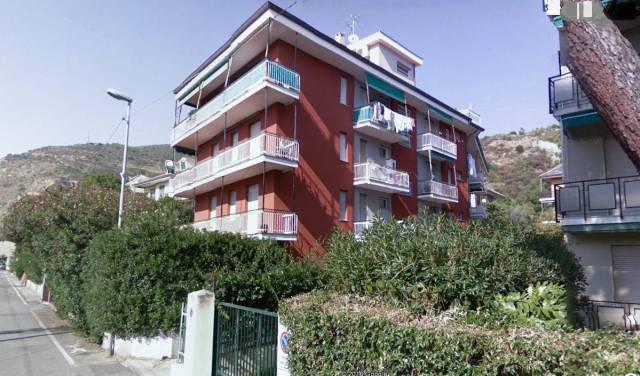 Appartamento in buone condizioni in affitto Rif. 7189776