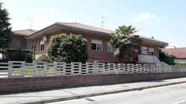 Negozio / Locale in affitto a Livorno Ferraris, 6 locali, Trattative riservate | CambioCasa.it
