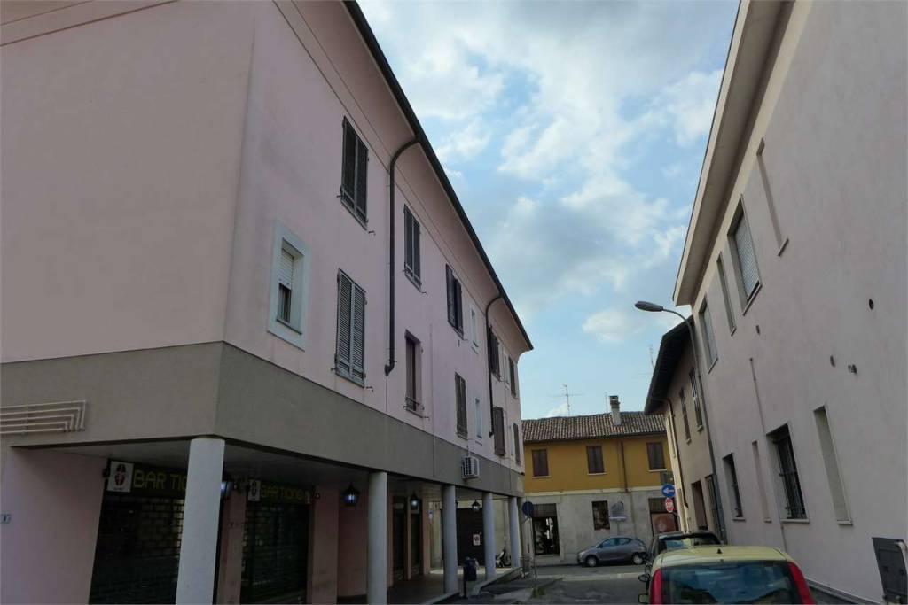Appartamento in vendita a Abbiategrasso, 2 locali, prezzo € 87.000 | CambioCasa.it