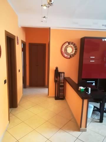 Appartamento in ottime condizioni arredato in vendita Rif. 7199451