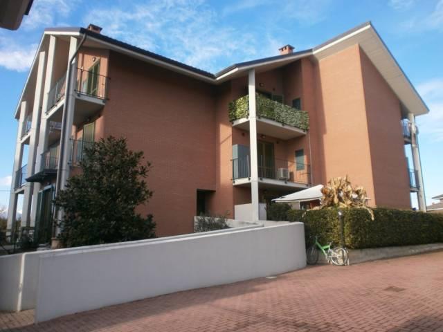 Appartamento in ottime condizioni arredato in affitto Rif. 7199181