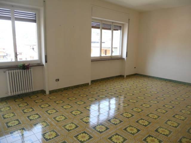 Appartamento in buone condizioni in affitto Rif. 7202086