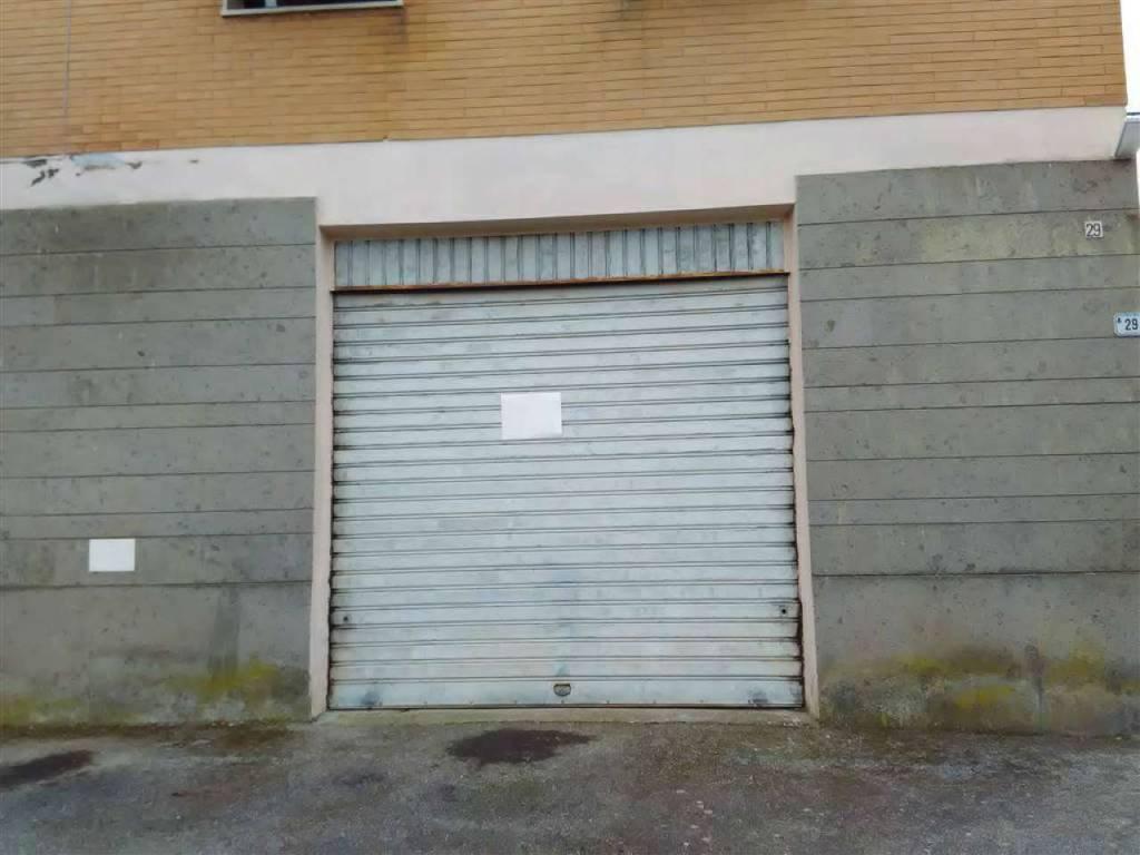 Magazzino in vendita a Vetralla, 1 locali, prezzo € 35.000   CambioCasa.it